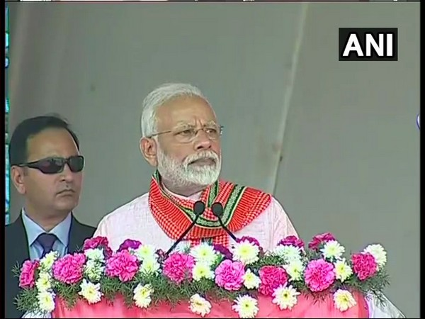 Modi reaches Hubballi in Karnataka