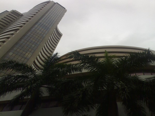 Indices flat again in morning trading, Sensex at 35,867