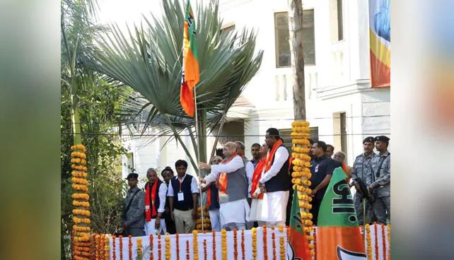 'Mera Parivar Bhajapa Parivar': BJP launches outreach campaign, aims to hoist party flag at 5 crore houses