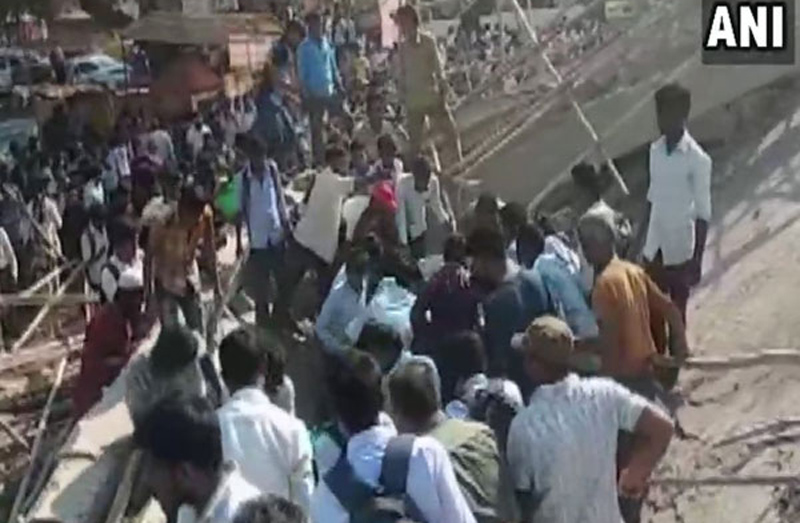 Building under construction collapses in Dharwad, 1 dead, many feared trapped