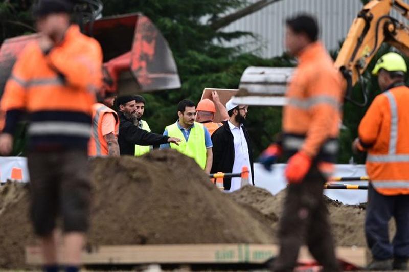 Christchurch Attack Photo: Facing Makkah: Islamic Burial For Christchurch Mosque