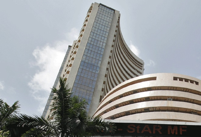 Sensex declines by 203 pts amid record volatility