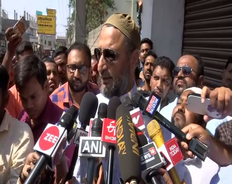 Asaduddin Owaisi casts vote – Here's what he appeals to voters