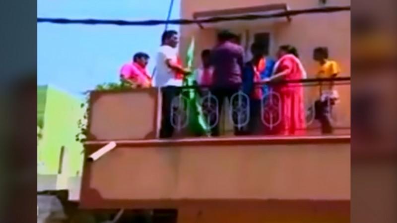 Bengaluru tense after men with saffron scarves removes green flag