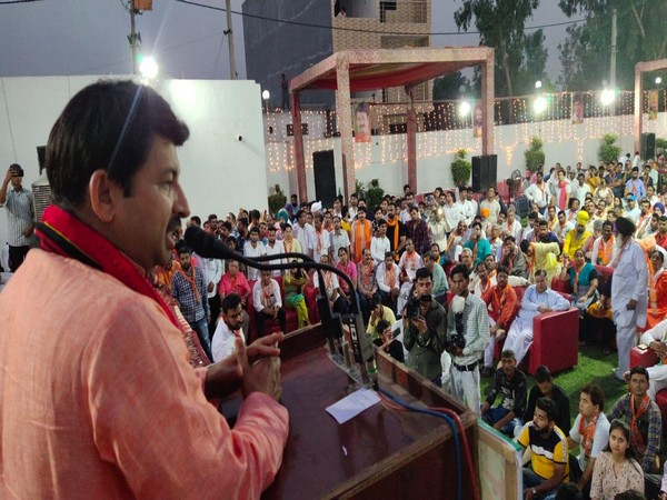 Delhi BJP unit organises felicitation ceremony for party workers
