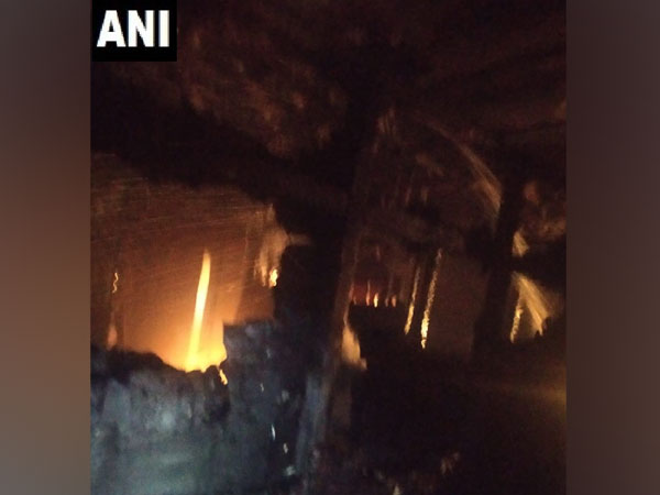New Delhi: Fire breaks out in NDMC building in Connaught Place