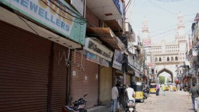 """Photo of Charminar shops closed in support of """"No New Clothes"""" on Eid"""