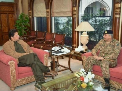 Imran Khan claims Pak Army 'working under' him, is defender of democracy